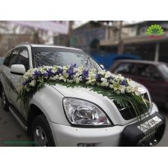 ماشین عروس با گل آبی و سفید کد CR030