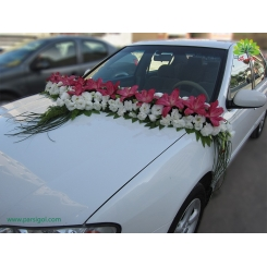 ماشین عروس با گل لیلیوم و لیسیانتوس کد CR042