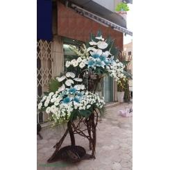تاج گل افتتاحیه لوکس سفید و آبی کد DF13801