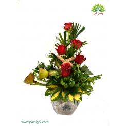 سبد گل عاشقانه رز هلندی قرمز کد DF02002