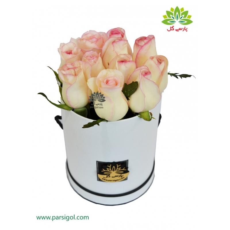 جعبه گل استوانه عشق رز لب صورتی کد DF02405
