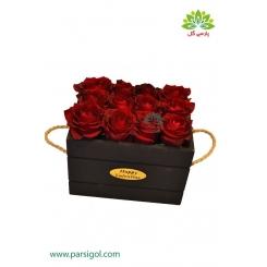 جعبه گل چوبی گل رز قرمز کد DF03005