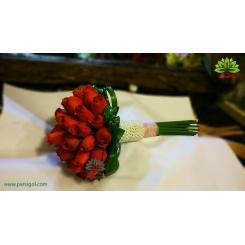 دسته گل عروس رز قرمز دسته مروارید کد DF04804