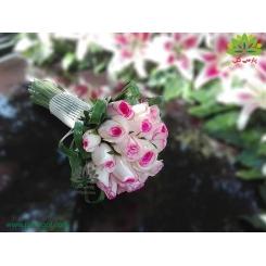 دسته گل عقد محضری رز سفید لب صورتی کد DF05704