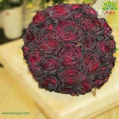 دسته گل عروس رز زرشکی کد DF05804