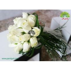 دسته گل عروس رز سفید مدرن کد DF05904