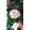 دسته گل عروس رز لب صورتی با تزئین برگ کد DF08804