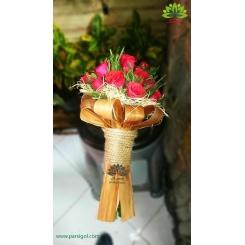 دسته گل رز قرمز روز عشق کد DF01503