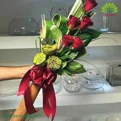 دسته گل رز قرمز روزهای عاشقانه کد DF02203