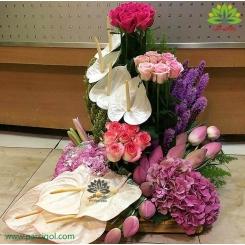 سبد گل مجلسی گل های بهاری کد DF05402
