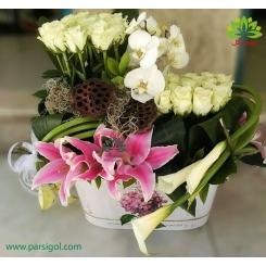 سبد گل فانتزی رز سفید کد DF05702