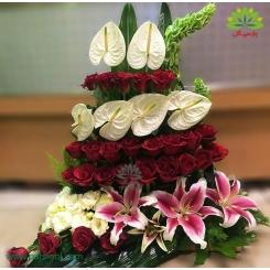 سبد گل تبریک سال نو گل رز کد DF06002