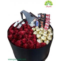 جعبه گل لاکچری ولنتاین شکلات و عروسک کد DF03405