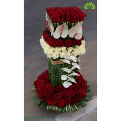 سبد گل باشکوه و مجلل نامزدی رز قرمز کد DF01002