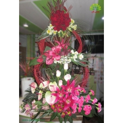 سبد گل مجلل و باشکوه تبریک سه طبقه کد DF01702