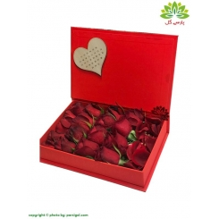 جعبه گل ولنتاین رز قرمز هلندی کد DF05205