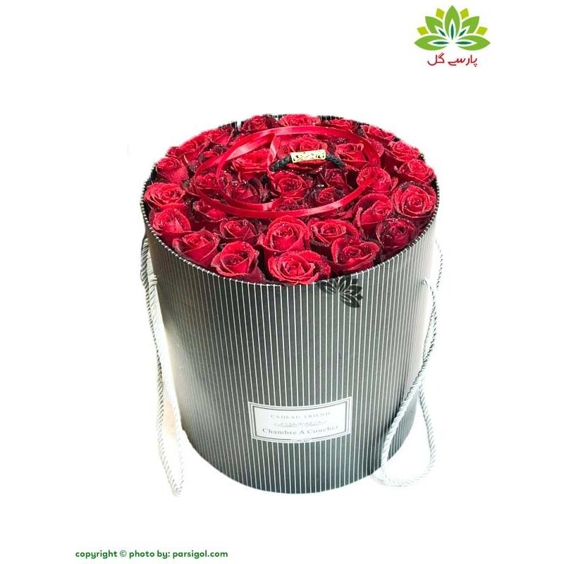 جعبه گل هدیه ولنتاین لاکچری کد DF05605