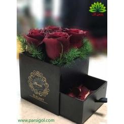 جعبه گل هدیه ولنتاین کشودار کد DF05905