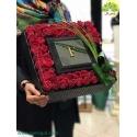 جعبه گل لاکچری کادویی ولنتاین کد DF06105