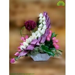 سبد گل رز و آنتوریوم بنفش کد DF07302