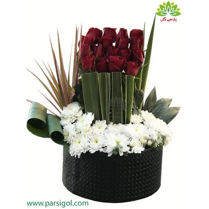 جعبه گل فانتزی هدیه ولنتاین کد DF06405