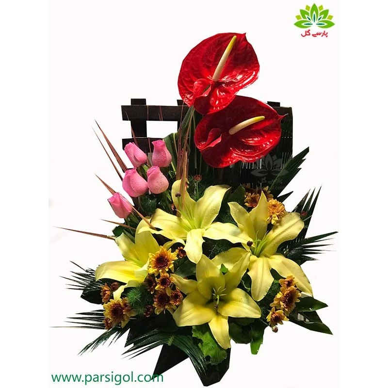 سبد گل طبیعی رز و لیلیوم زرد کد DF08202