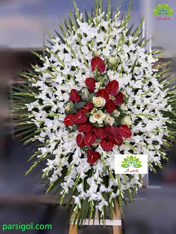 سفارش انواع تاج گل طبیعی یک طبقه ارزان قیمت به همراه تحویل رایگان تاج گل در محل و ارسال رایگان تاج گل به مسجد