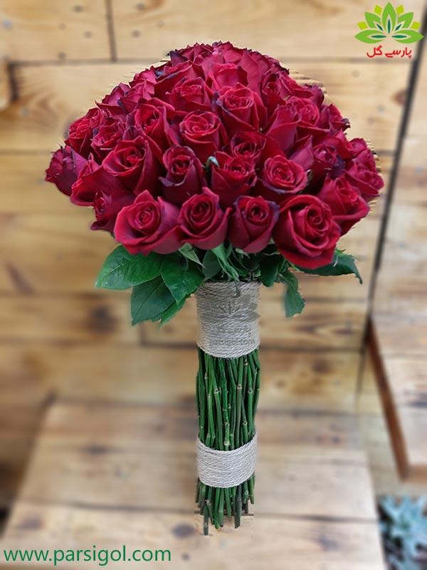 سفارش آنلاین دسته گل هدیه تولد با گل رز قرمز و قیمت ارزان